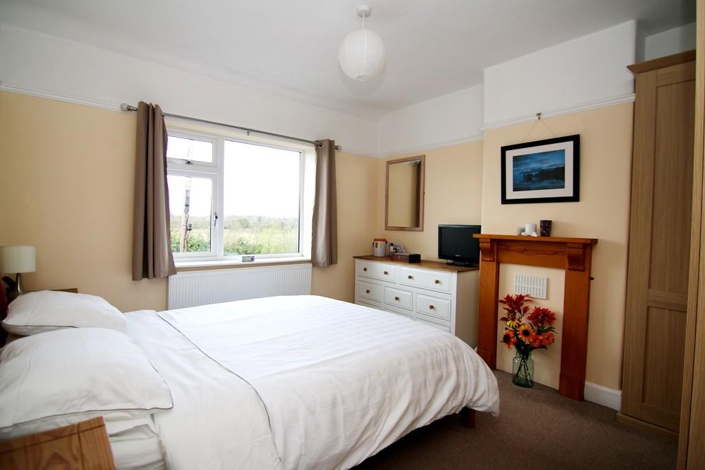3 Bedroom Semi-Detached House, Guilden Sutton