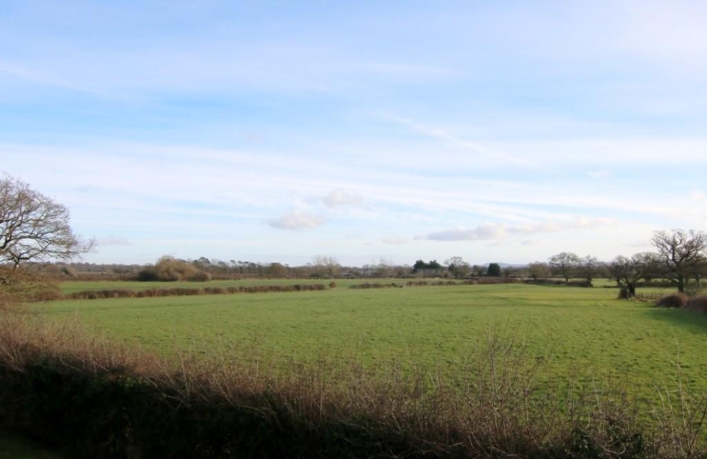 Garrison Close, Saighton, Chester, CH3