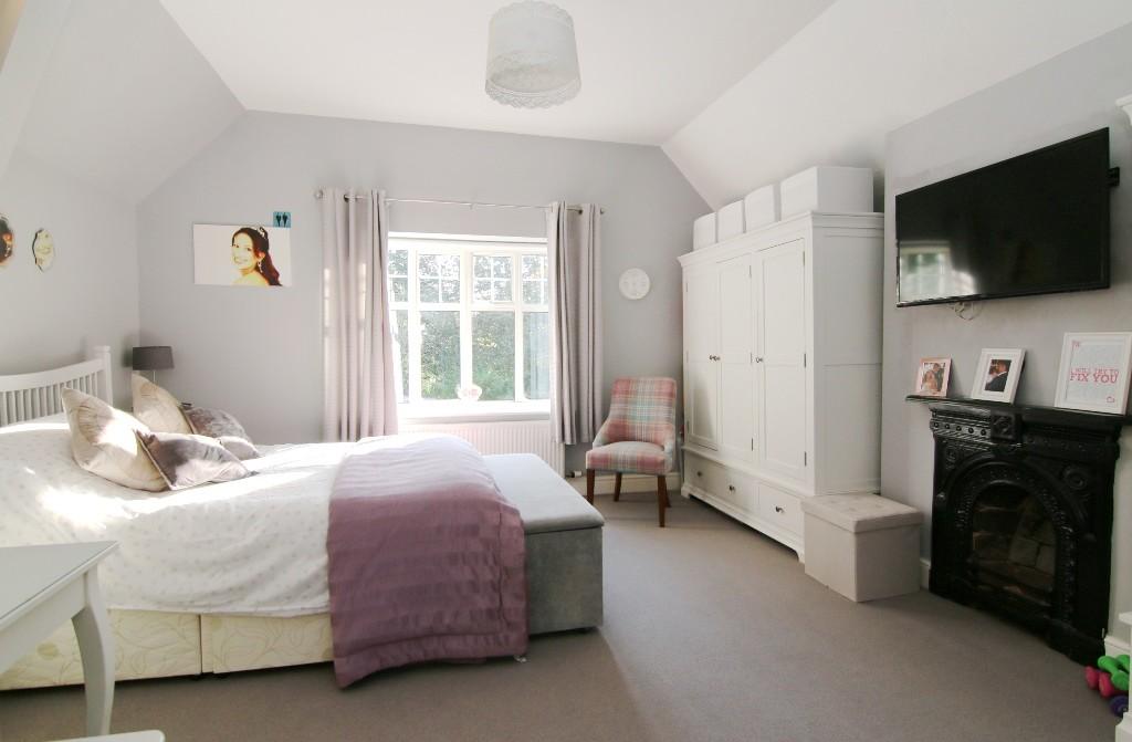 3 Bedroom Semi Detached Farm House & Detached Cottage, Hoole Village