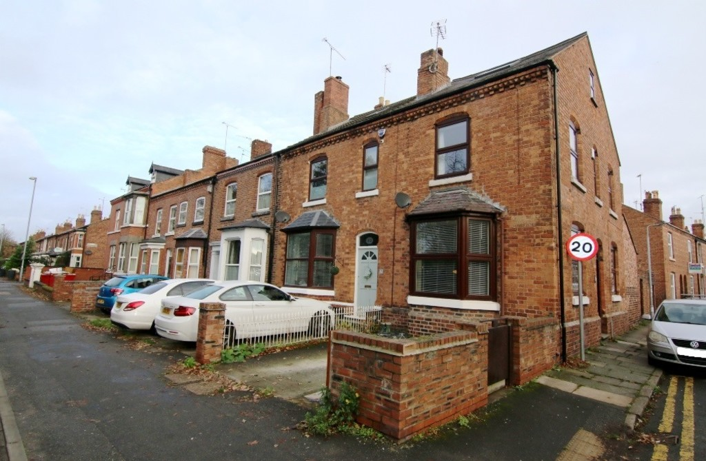 2 Bedroom End Terraced House, Chester