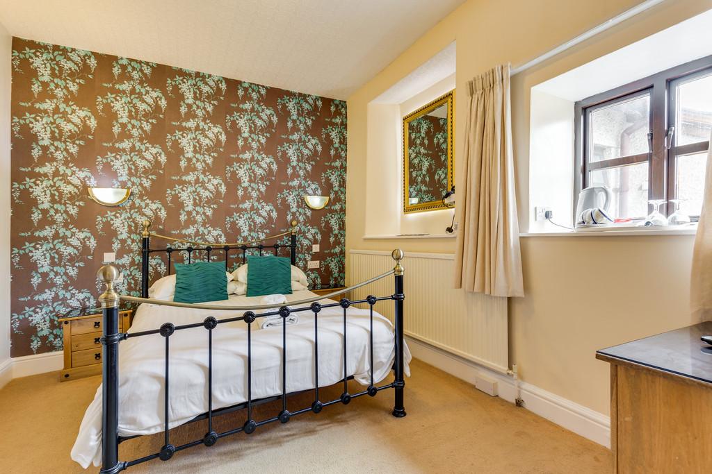 Crompton House, Lake Road, Windermere, Cumbria, LA23 2EQ