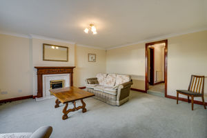 75 Priory Lane, Grange-Over-Sands, Cumbria, LA11 7BJ