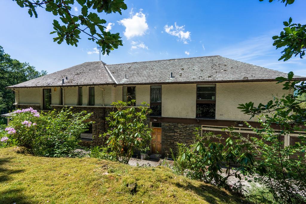 Gummers How House, Lake Windermere, Nr Newby Bridge, Cumbria, LA12 8NP