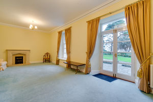 5 Kents Bank House, Kentsford Road, Grange-Over-Sands, Cumbria, LA11 7BB