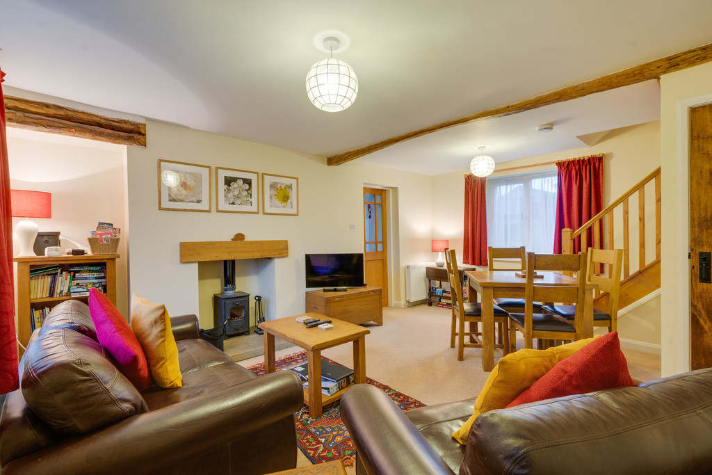 Limestone Cottage, 3 The Square, Levens, Kendal, Cumbria LA8 8NW
