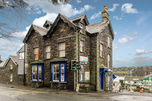 Paws by the Lake, Waterhead, Ambleside, Cumbria LA22 0EZ