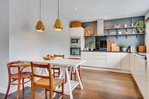 Flat 2, 112 Highgate, Kendal, Cumbria, LA9 4HE