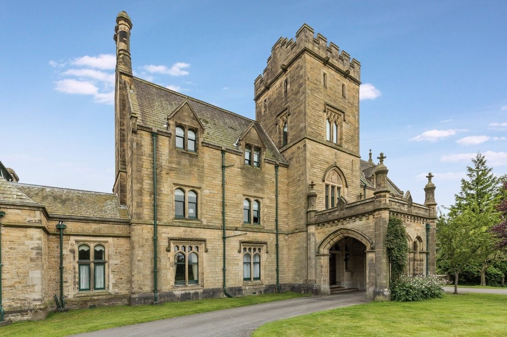 10 Sedgwick House, Sedgwick, Kendal, Cumbria, LA8 0JX