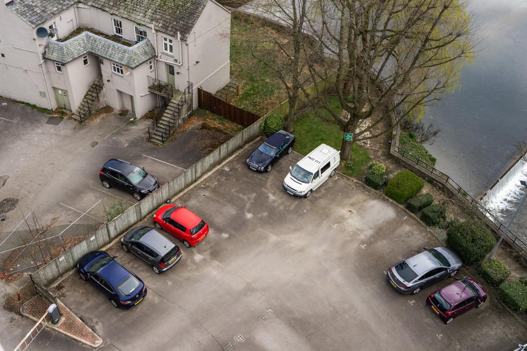 502 Sand Aire House, Stramongate, Kendal, Cumbria LA9 4UA