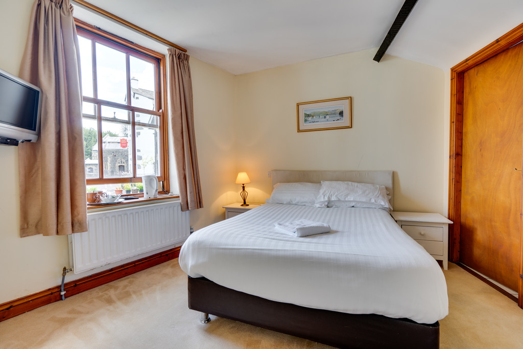 The White House, Robinson Place, Bowness On Windermere, Cumbria, LA23 3DQ
