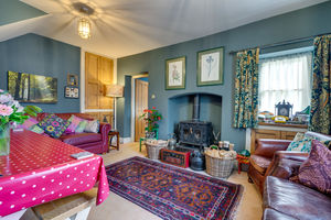 Thorn Cottage, Sandes Avenue, Kendal, Cumbria LA9 4LL