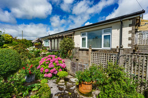 51 Laneside, Grange-over-Sands, Cumbria, LA11 7BX