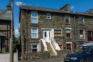 1 Parkisde, 13 Limethwaite Road, Windermere. LA23 2BQ