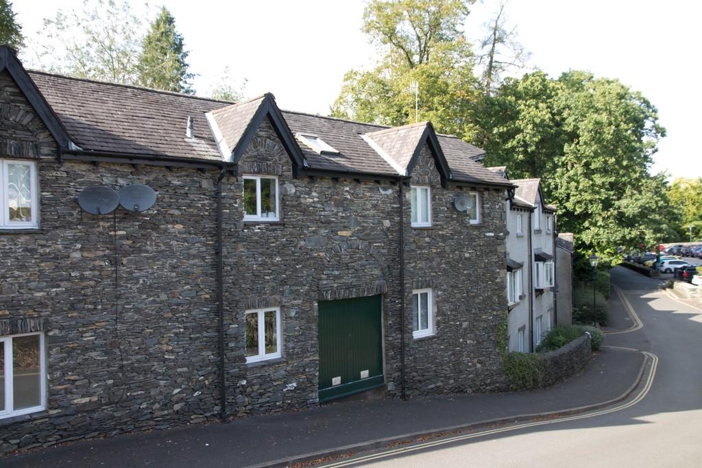14 Fallbarrow Court, Bowness On Windermere, Cumbria, LA23 3DX