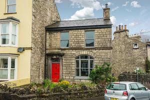 25 Castle Street, Kendal, Cumbria, LA9 7AD