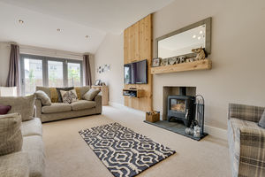 Lyn Crag, Thornfield Road, Grange-over-Sands, Cumbria, LA11 7DR