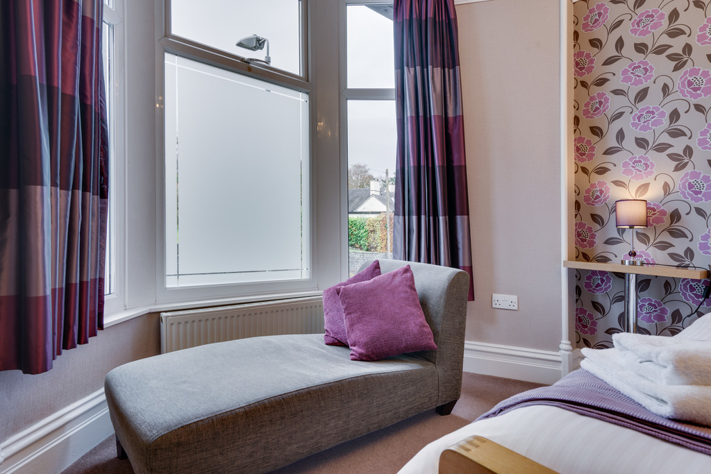 Thornbank Guest House, Thornbarrow Road, Windermere, Cumbria, LA23 2EW