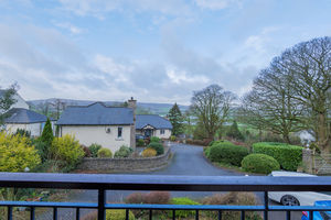 High Mead House, 2 Whitbarrow Grove, Levens, Kendal, Cumbria, LA8 8LT