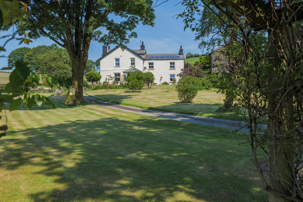 Barnsdale, Burneside, Kendal, Cumbria LA8 9AG