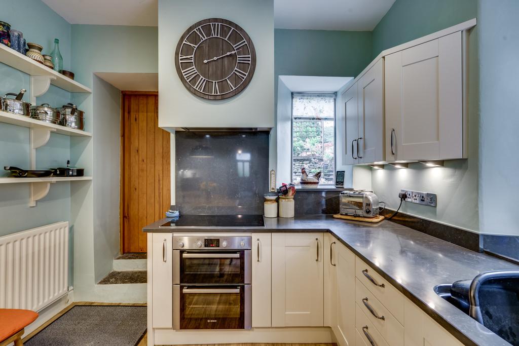 52 Greenside, Kendal, Cumbria, LA9 5DT