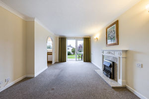 3 Grayrigge Court, Kents Bank Road, Grange over Sands, Cumbria, LA11 7HD
