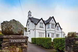 1 Lynstead, Thornbarrow Road, Windermere, Cumbria, LA23 2DG