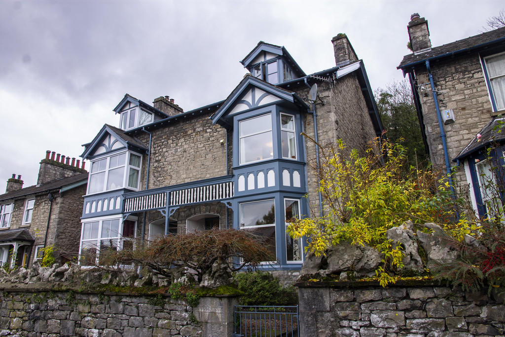 124 Burneside Road, Kendal, Cumbria LA9 4RZ