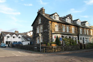 Adam Place Guest House, 1 Park Avenue, Windermere, Cumbria, LA23 2AR