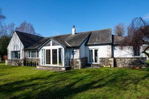 6 Oxenholme Road, Kendal, Cumbria LA9 7NJ