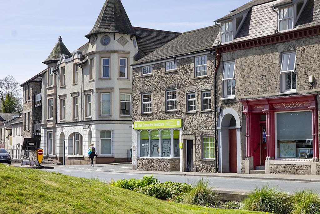 114  – 116 Kirkland, Kendal, Cumbria LA9 5AP