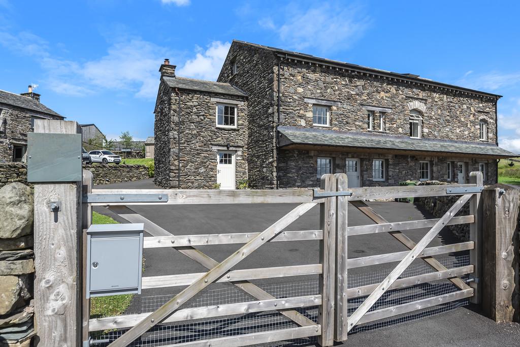 1 High Knott Barn, Ings, Cumbria, LA8 9PX
