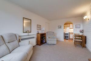 8 Grayrigg Court, Kents Bank Road, Grange-over-Sands, Cumbria, LA11 7HD