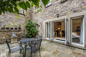 9 Royal House, New Road, Kirkby Lonsdale