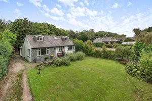 New Barns Road, Arnside, Cumbria, LA5 0BD