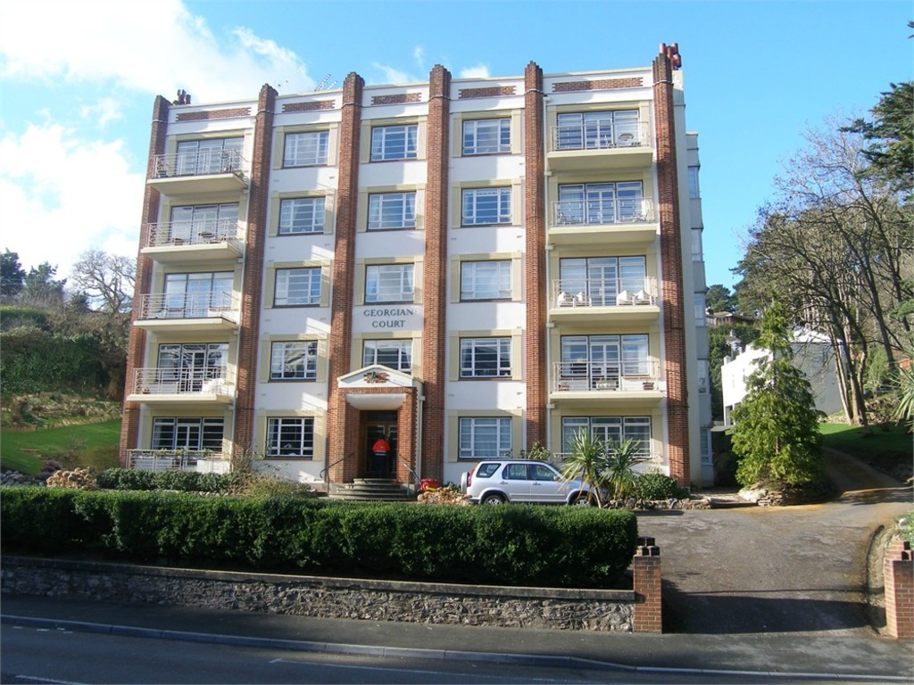3 Bedroom Apartment for Let