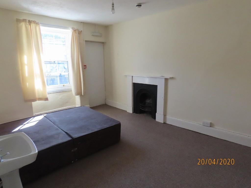 Room 8, Rosemullen House