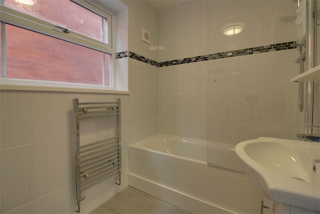 Image 4/11 of property Elvetham Road, Edgbaston, B15 2LZ