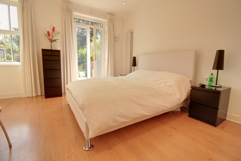 Image 10/15 of property Courtlands Close, Edgbaston, B5 7XA
