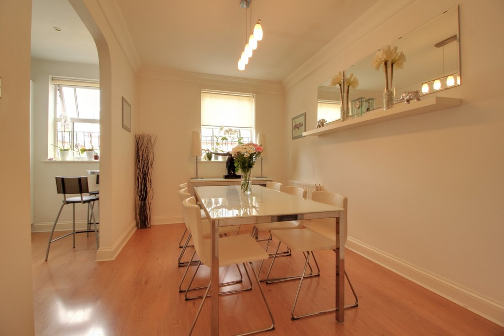 Image 5/15 of property Courtlands Close, Edgbaston, B5 7XA
