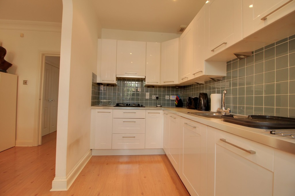Image 4/15 of property Courtlands Close, Edgbaston, B5 7XA