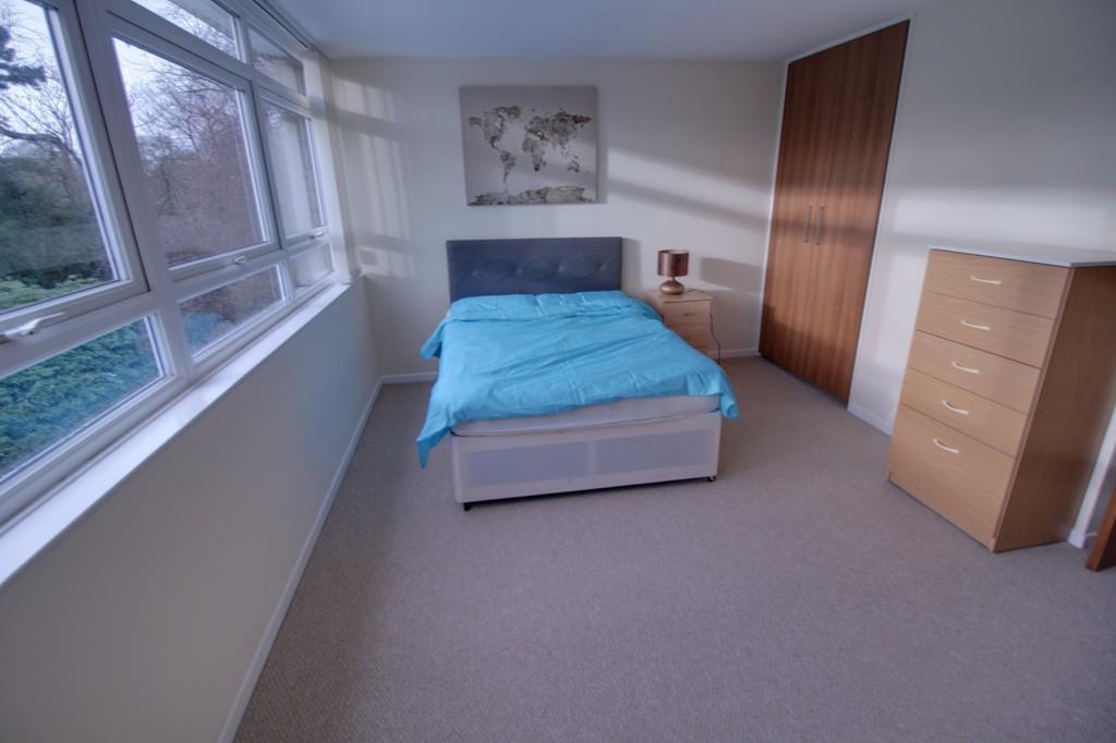 Image 5/8 of property Woodbourne Apartments, Augustus Road, Edgbaston, B15 3PJ