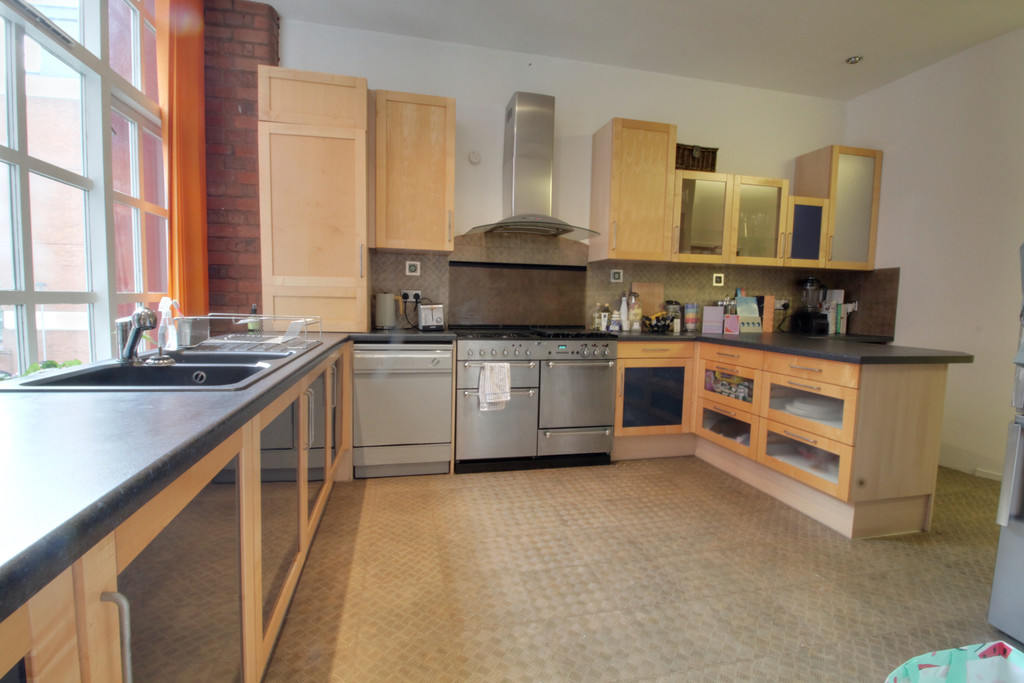 Image 10/11 of property Ludgate Lofts Apartments, 17 Ludgate Hill, B3 1DW