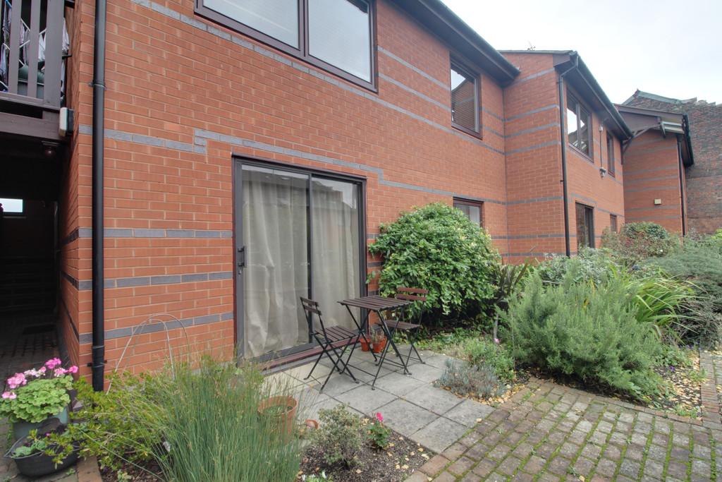 Image 6/7 of property Queens Court, 15 Cox Street, Birmingham, B3 1RD