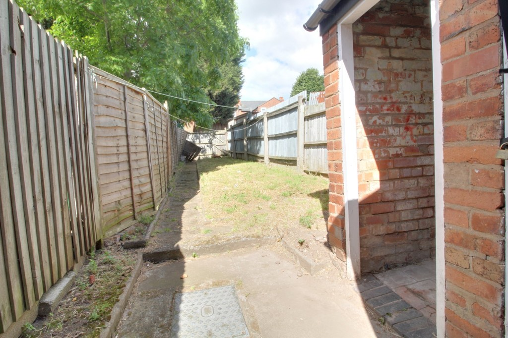Image 6/7 of property Farndon Road, Alum Rock, Birmingham, B8 3HS