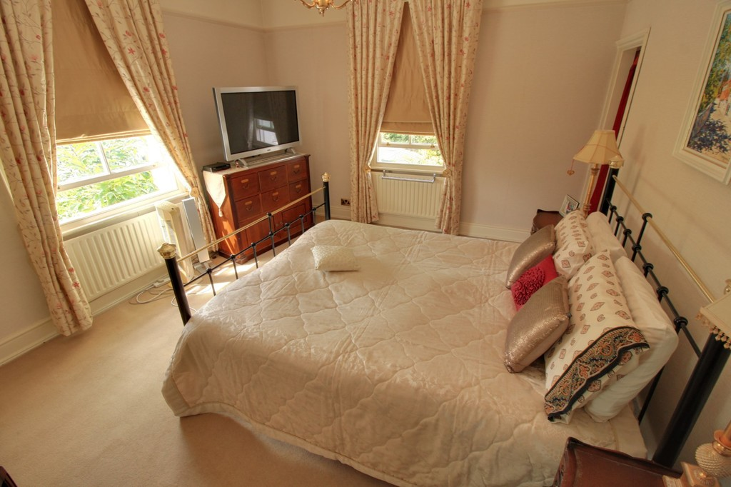 Image 6/15 of property St. James Road, Edgbaston, B15 1JR