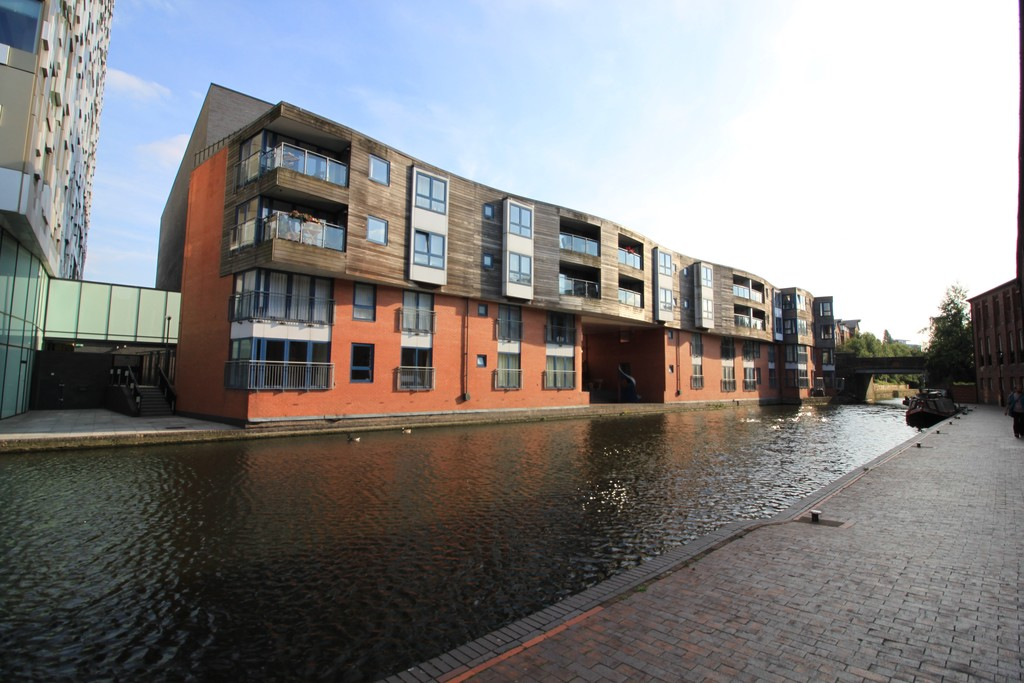 Image 12/13 of property Canal Wharf, Waterfront Walk, Birmingham, B1 1SW