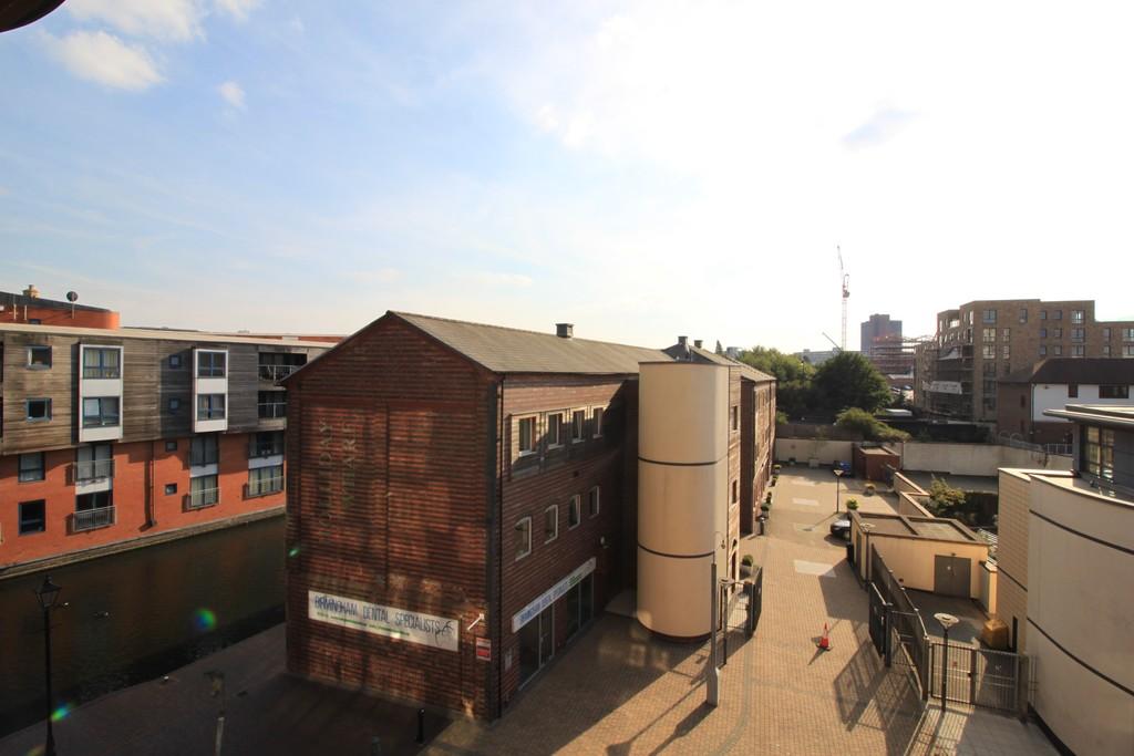 Image 10/13 of property Canal Wharf, Waterfront Walk, Birmingham, B1 1SW