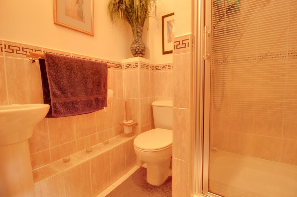 Image 8/11 of property Yew Tree Road, Moseley, B13 8NQ