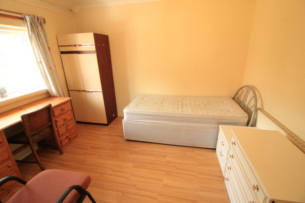 Image 8/10 of property Kenwick Road, Birmingham, B17 0QP