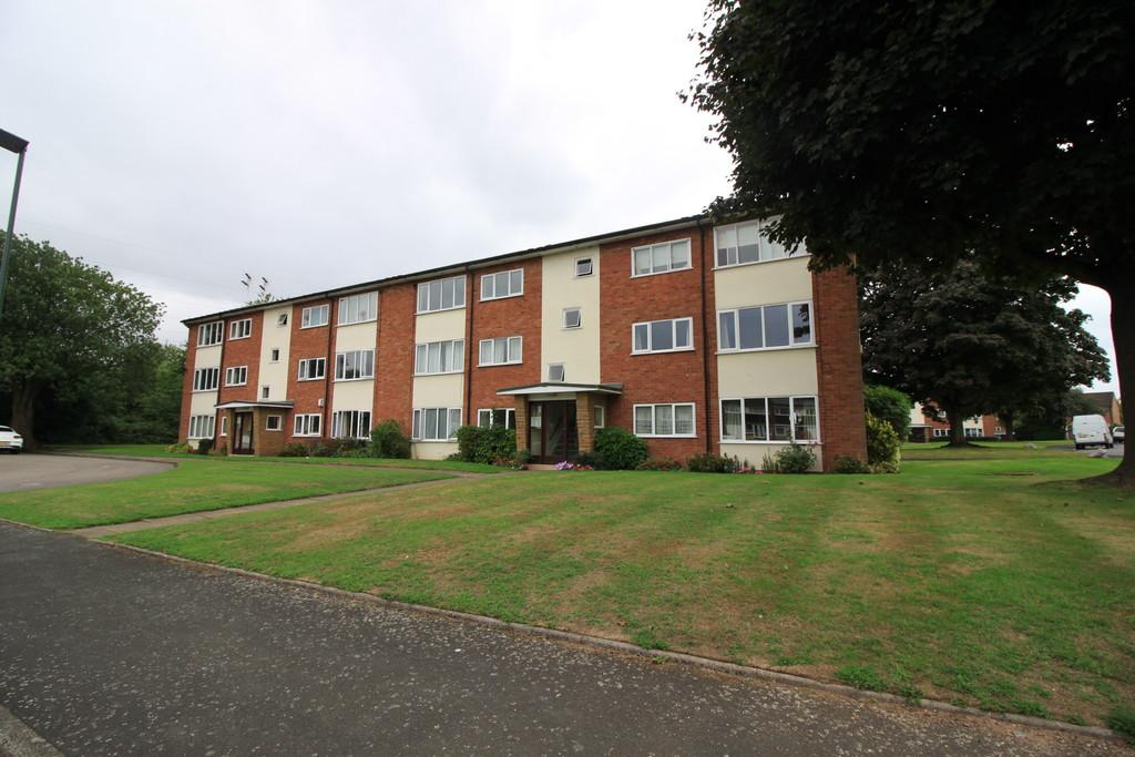 Image 1/6 of property Arosa Drive, Birmingham, B17 0SD